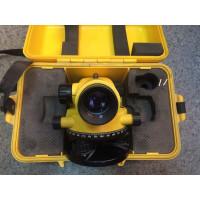 Оптический нивелир Leica Runner 20 б/у
